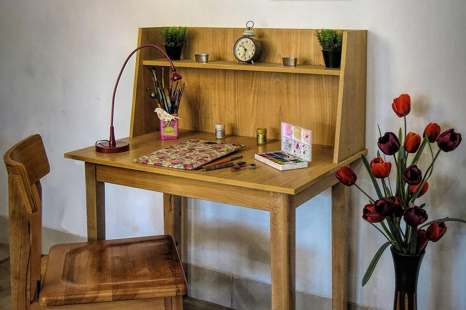 میز مطالعه و میز تحریر چوبی بزرگسال