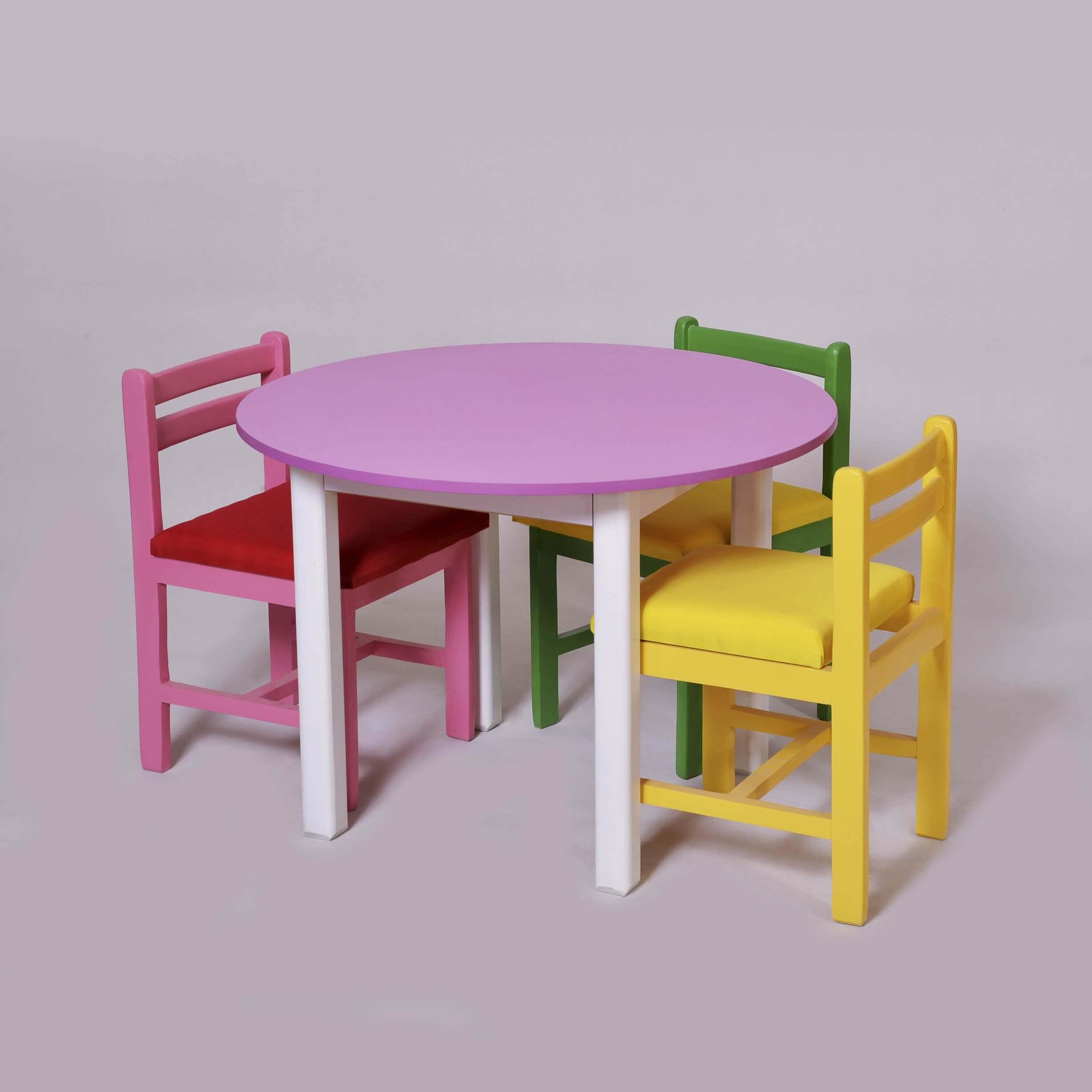 میز و صندلی استاندارد کودکان